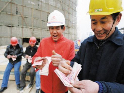 北京春季招建筑工人月均工资9621元 秒杀白领